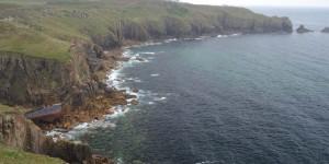 Küste mit Schiffswrack