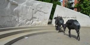 |Denkmal für die toten Tiere im Krieg