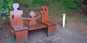 Sitzbank auf dem Liebesbankweg