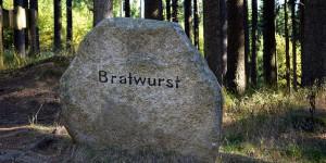Stein mit Bratwurst