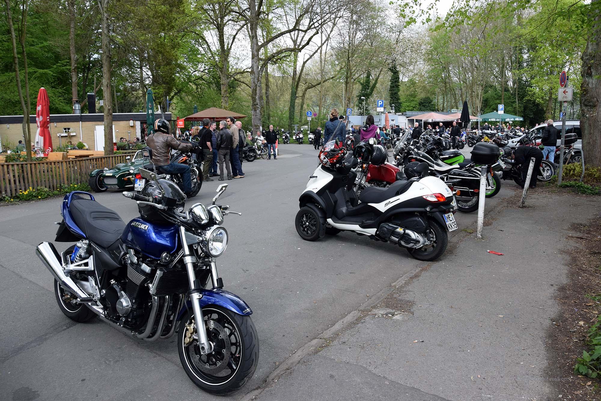 Motorradtreff am Haus Scheppen