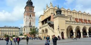 Rathausturm mit Tuchhallen