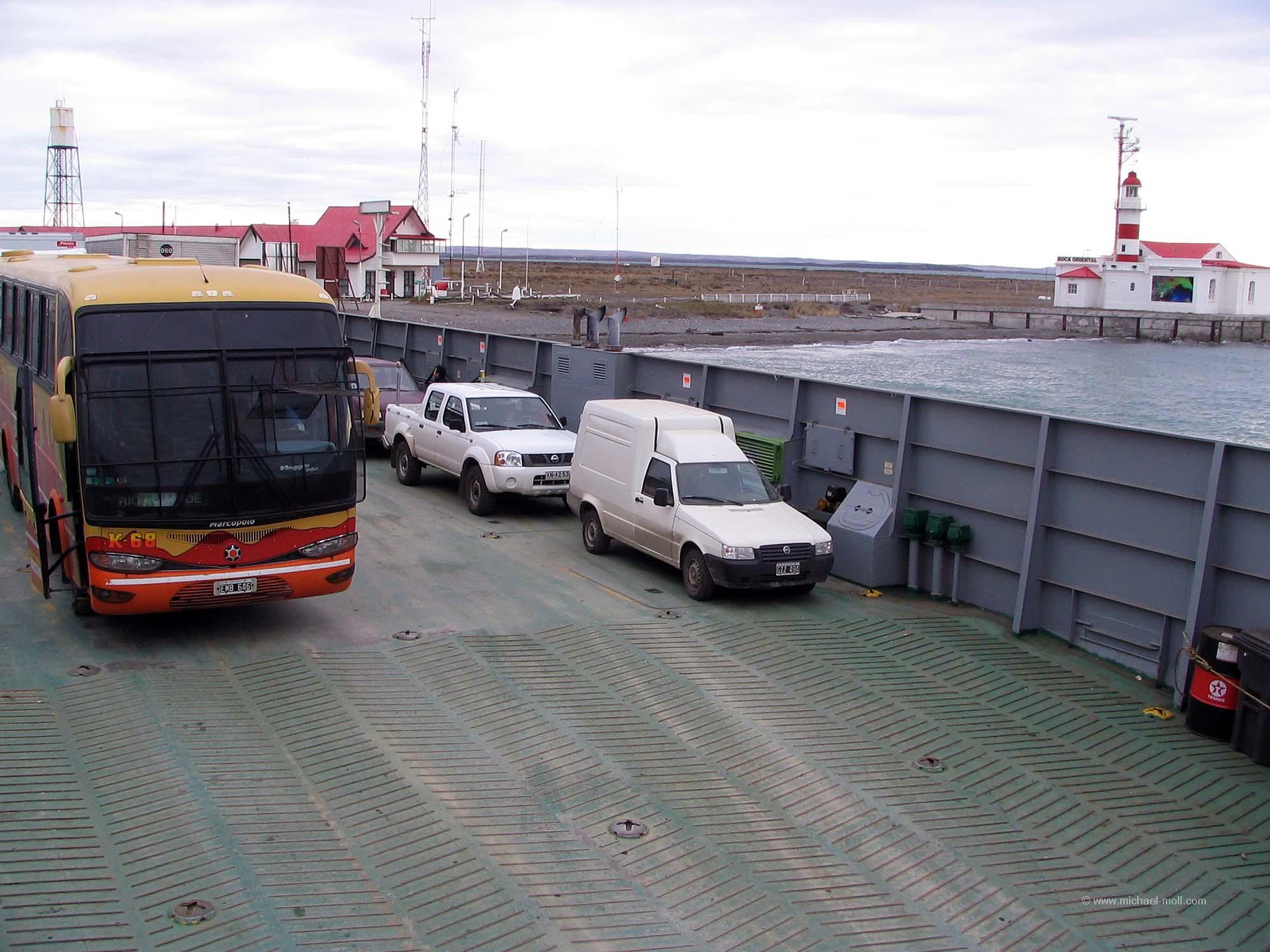 Mit dem Linienbus über die Magellanstraße