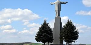 Christus-Statue in Karpatenvorland