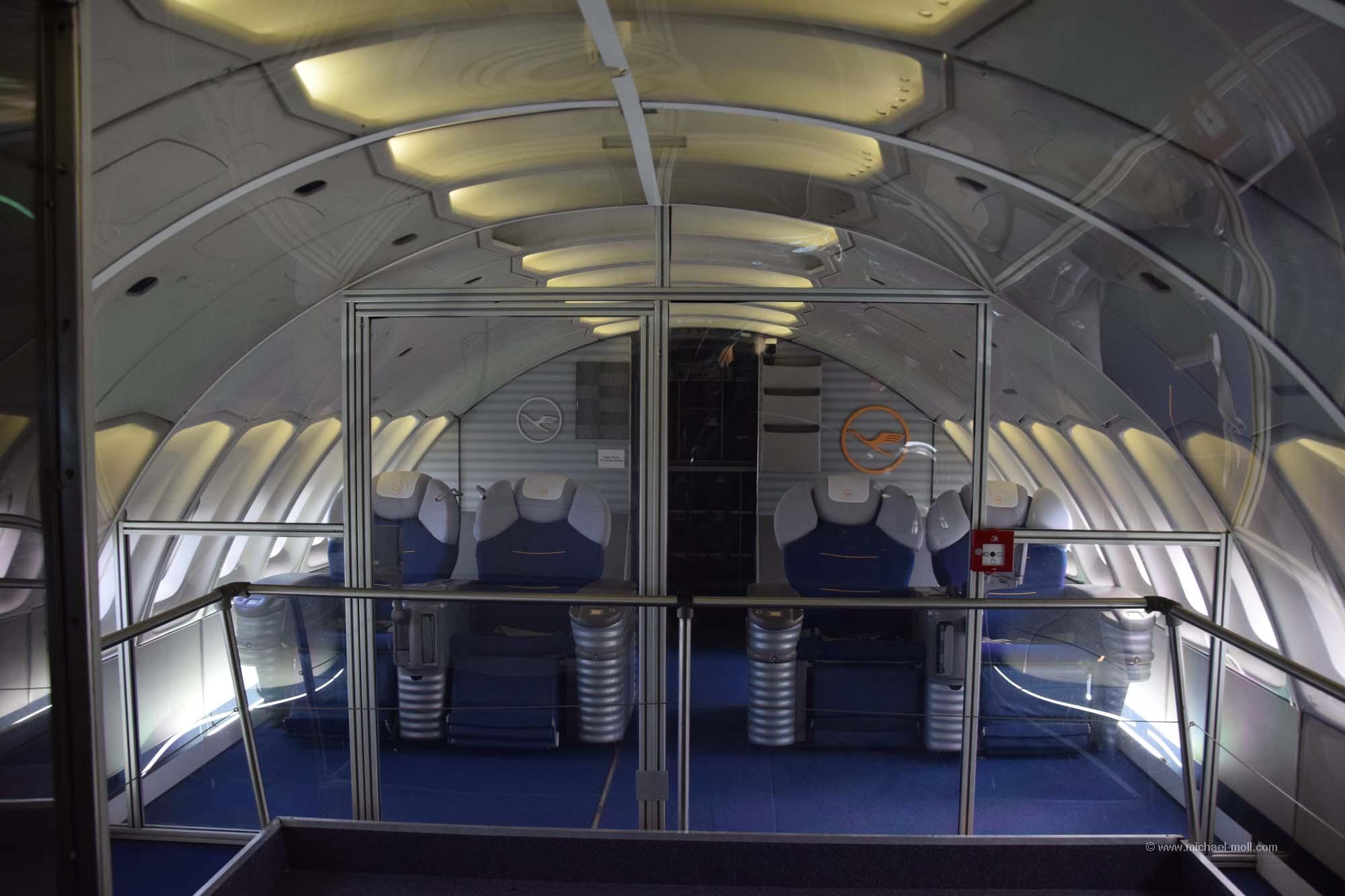 747 von innen die weltenbummler. Black Bedroom Furniture Sets. Home Design Ideas