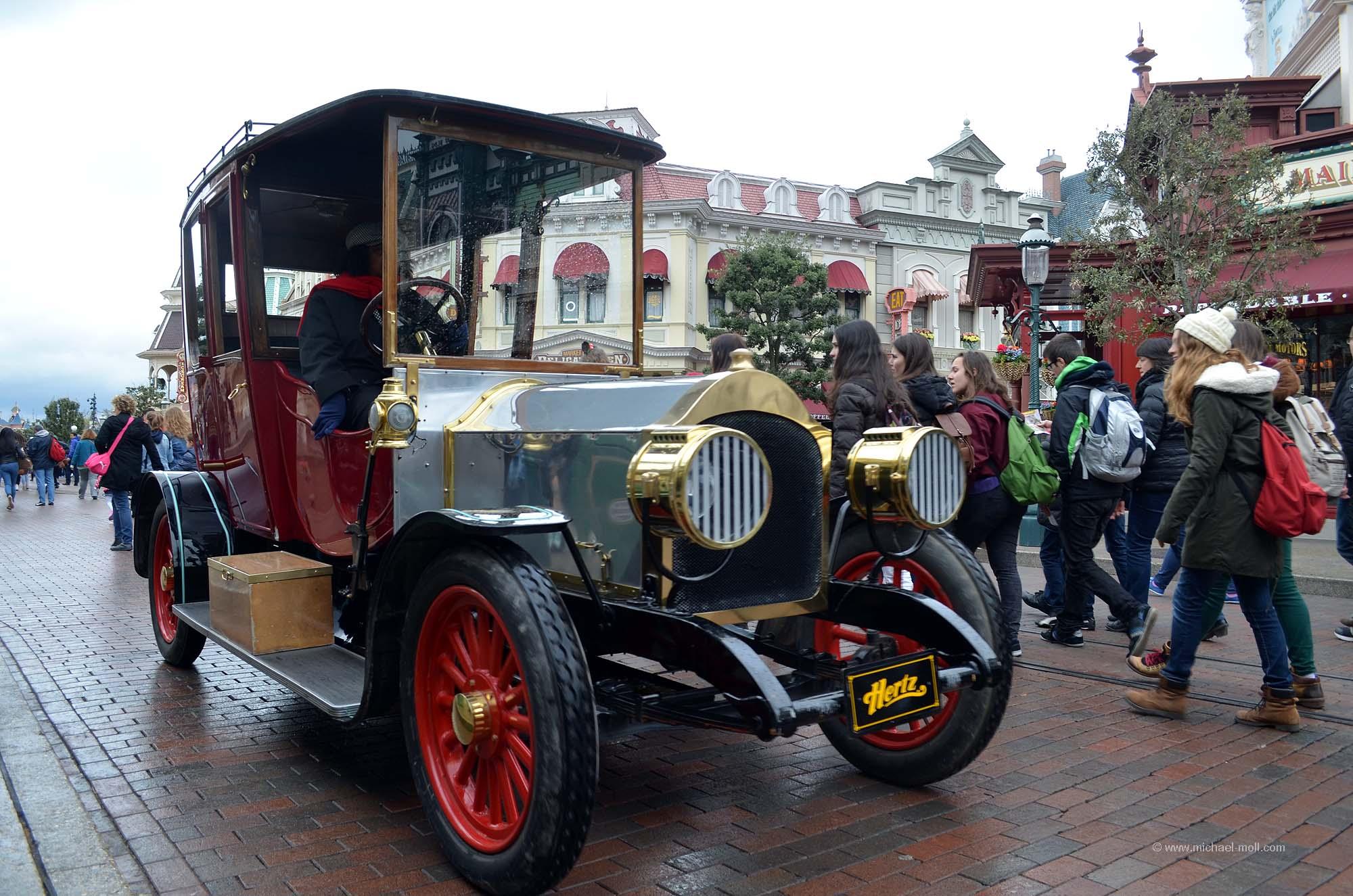 Altes Taxi auf der Main Street