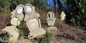 Friedhof neben dem Geisterhaus