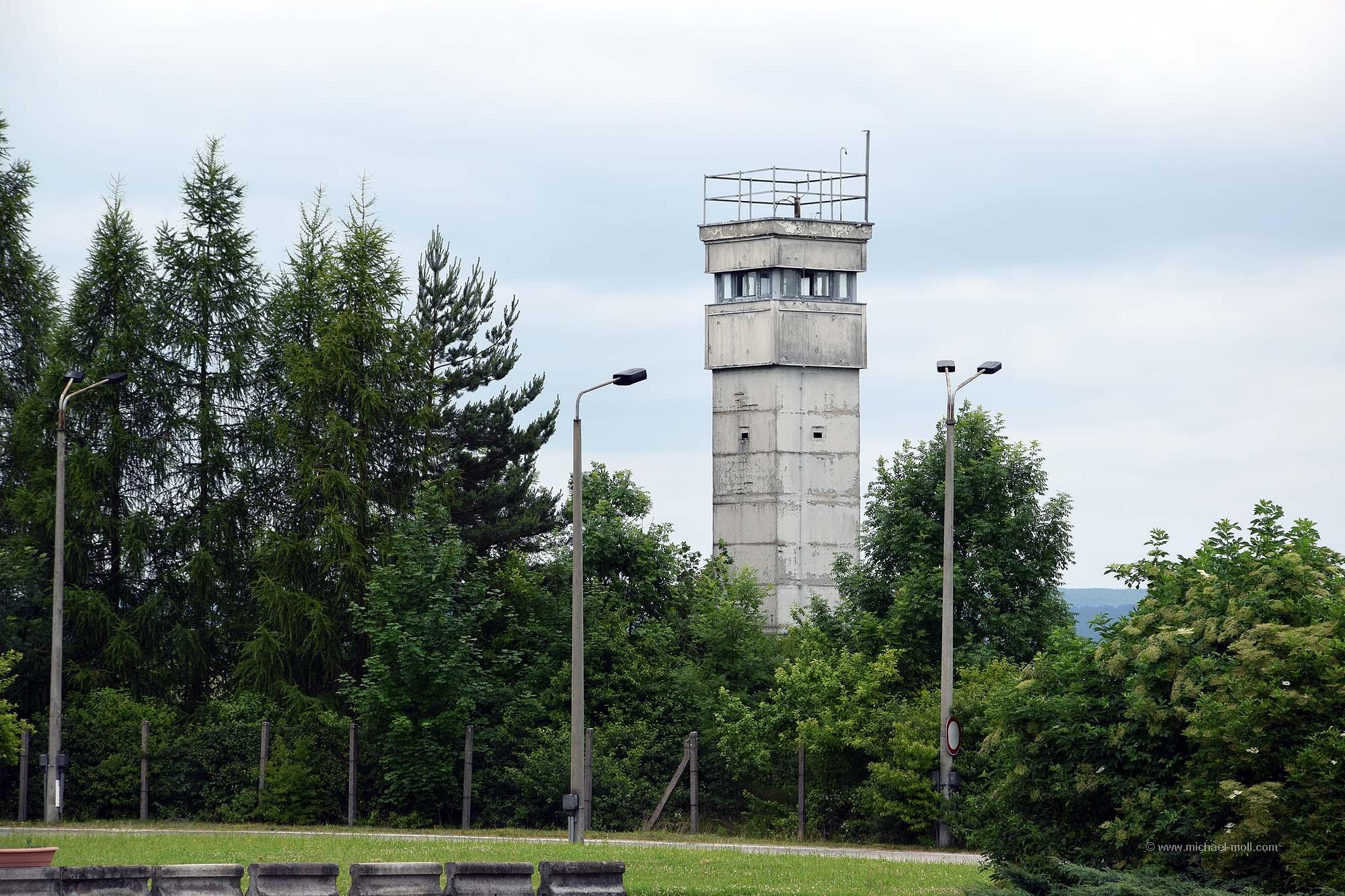 Alter Wachturm an der innerdeutschen Grenze