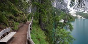 Wanderweg am Pragser Wildsee