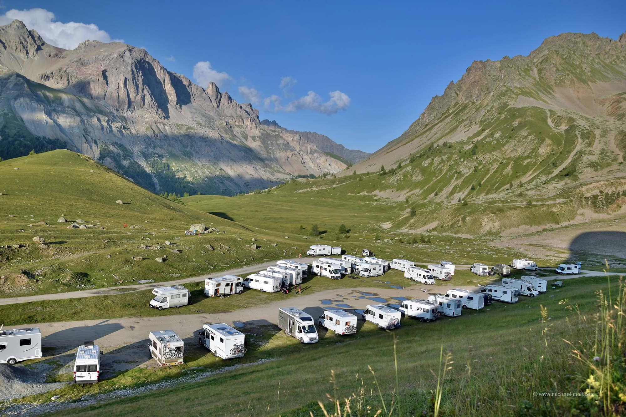 Wohnmobile auf dem Col du Lautaret