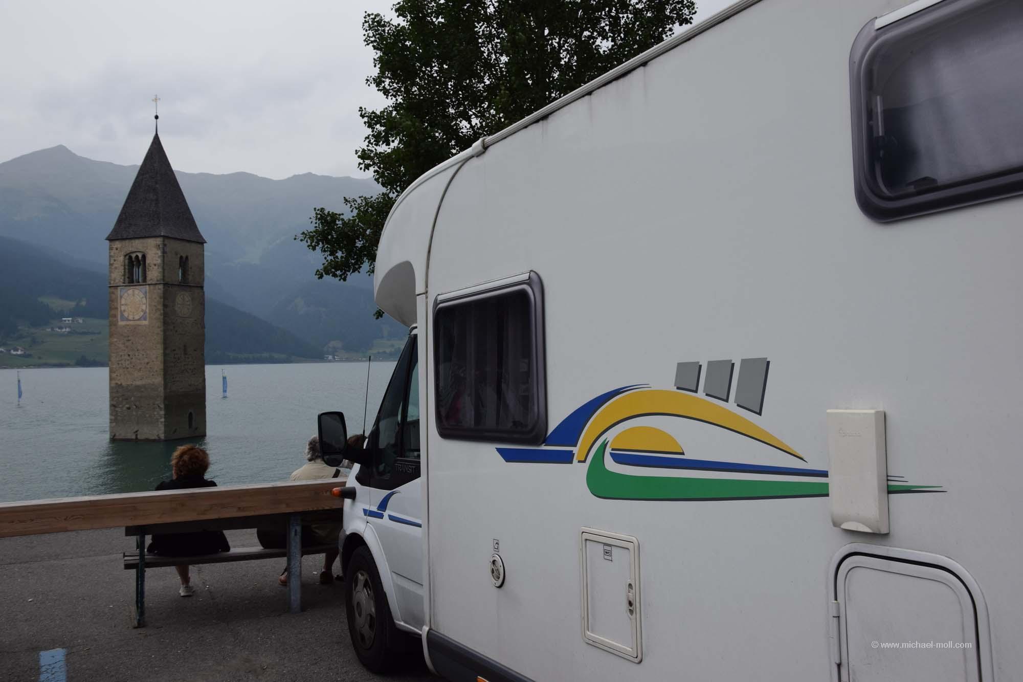 Wohnmobil am Reschensee