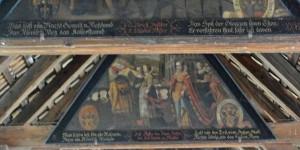 Bilder in der Holzbrücke