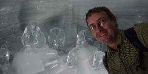 Michael Moll mit Pinguinen
