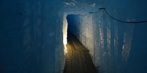 Im Inneren des Rhone-Gletscher
