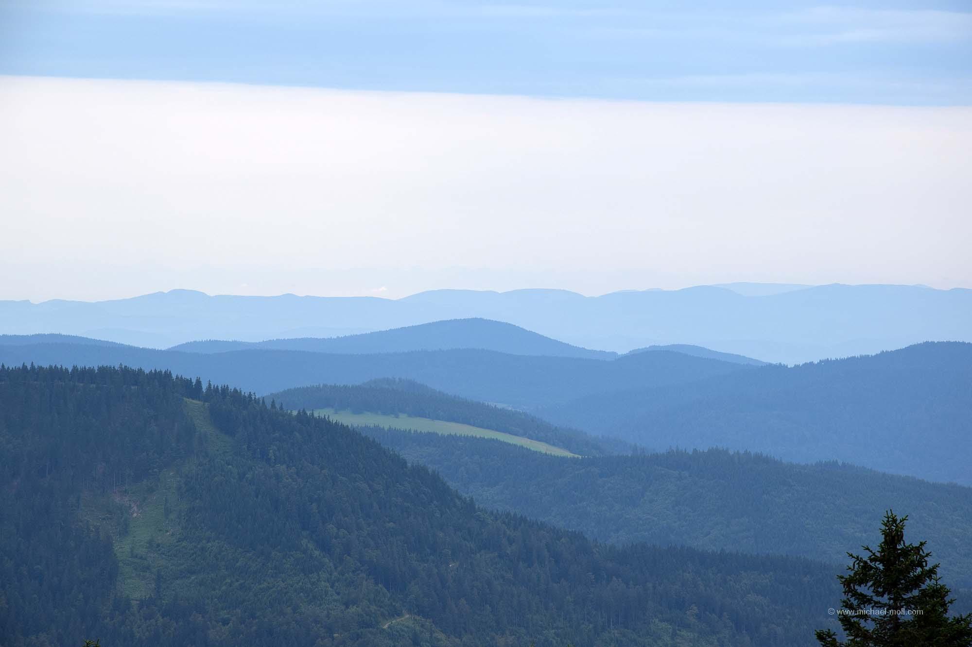 Im Originalbild sind die Alpen zu erkennen