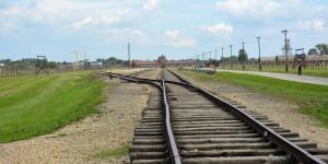 Eisenbahngleise zum KZ