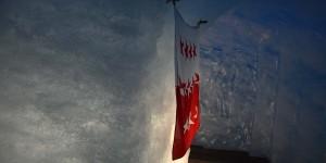Flagge am Ende des Tunnels
