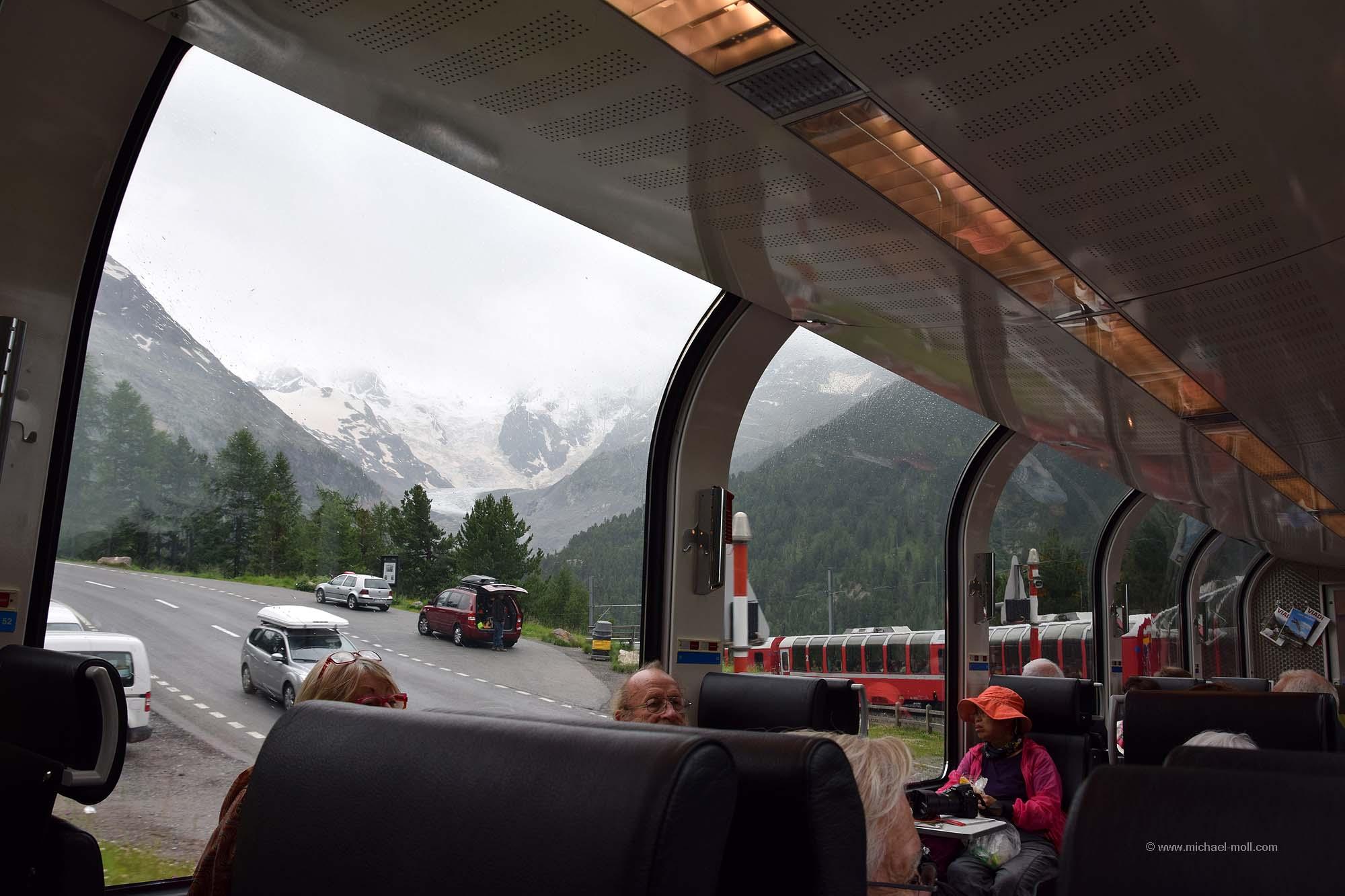 Gletscher vom Bernina-Express aus gesehen