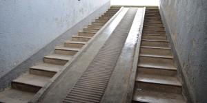 Treppe und Rampe in den Keller