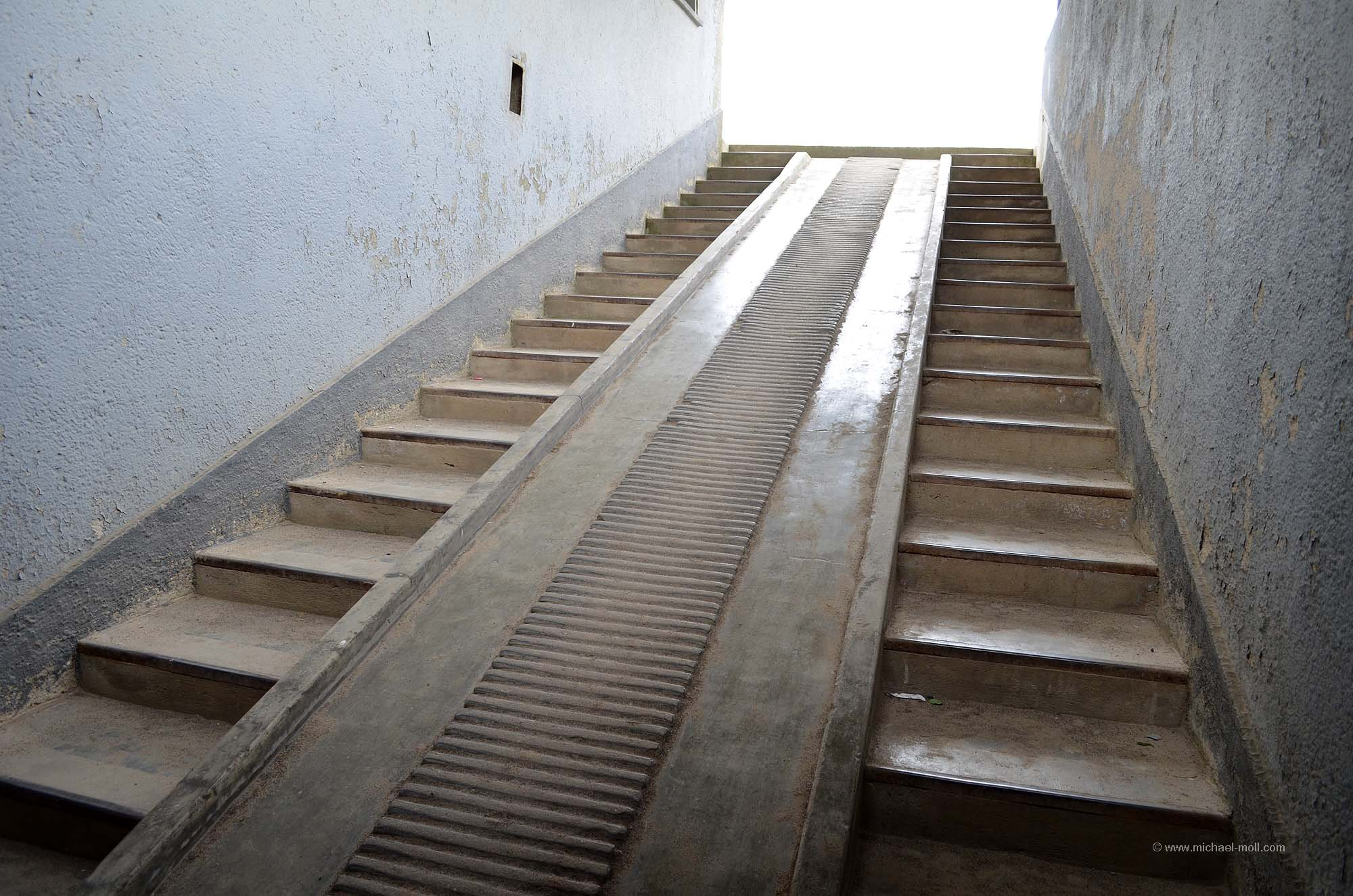 fahrradrampe für treppe