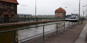 Schleuse am Wasserstraßenkreuz