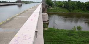 Der Mittellandkanal überquert die Weser