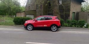 Roter Opel Mokka