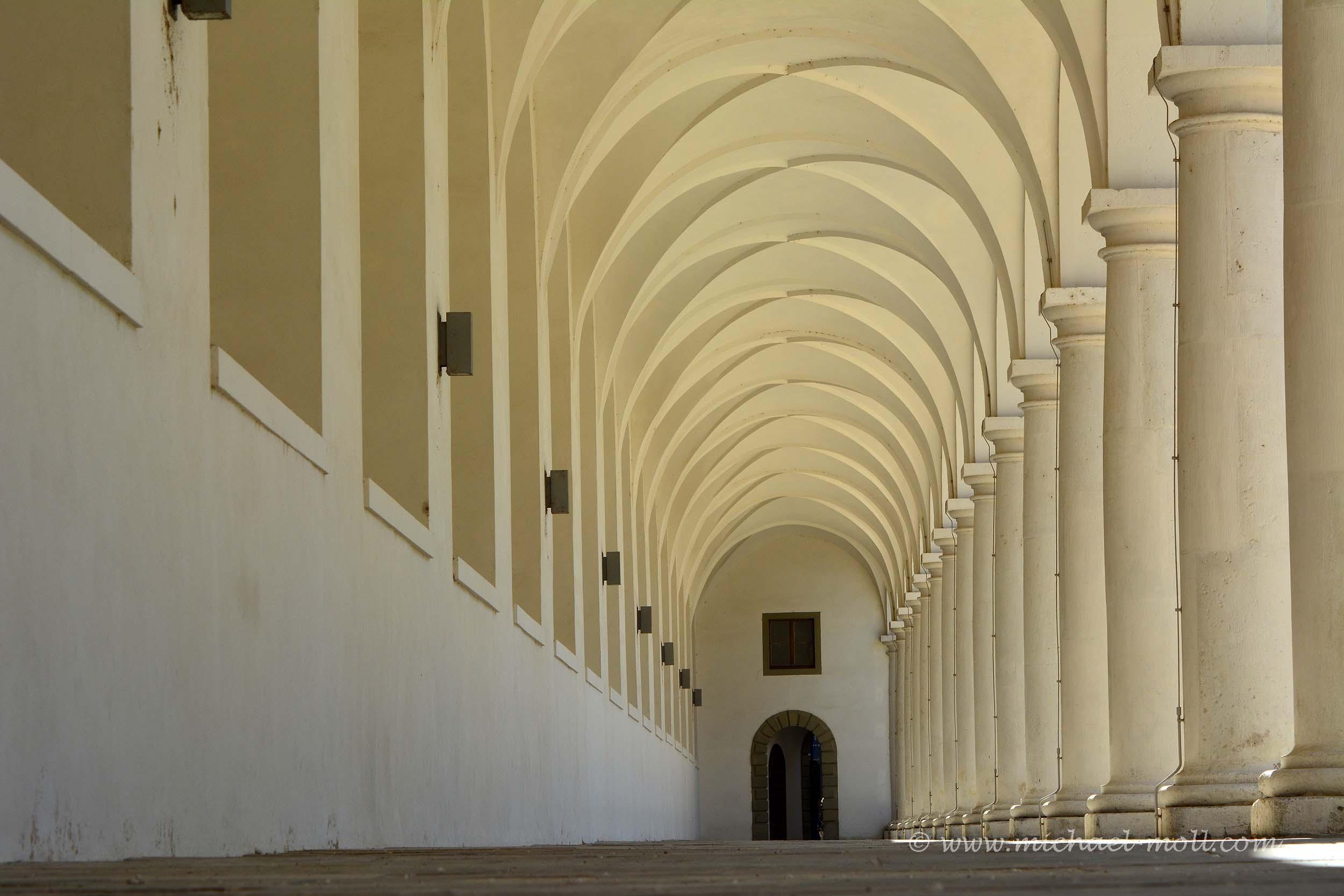 Säulen im Stallhof