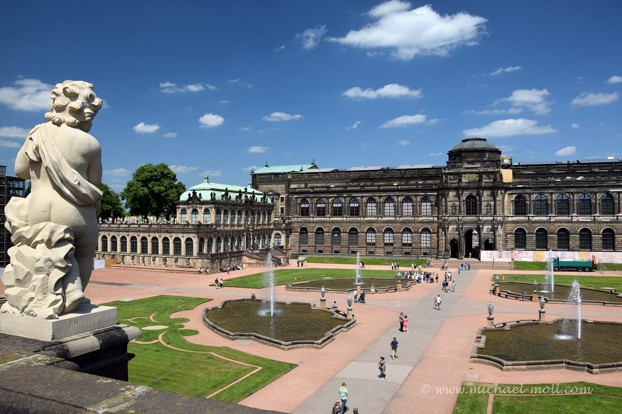 Blick von den Galerien in den Zwinger