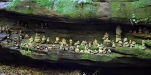 Steinmännchen am Wanderweg