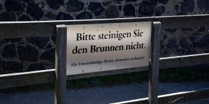 82 Meter tiefer Basaltbrunnen