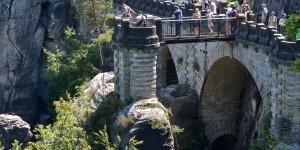 Bastei mit Touristen