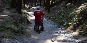 Wanderer mit Kinderwagen