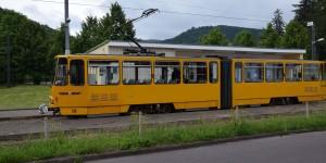 Überlandstraßenbahn am Bahnhof Tabarz