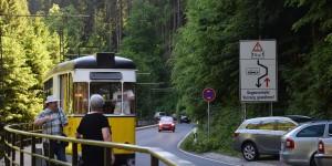 Man achte auf die Verkehrsbeschilderung
