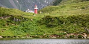 Leuchtturm in den Bergen