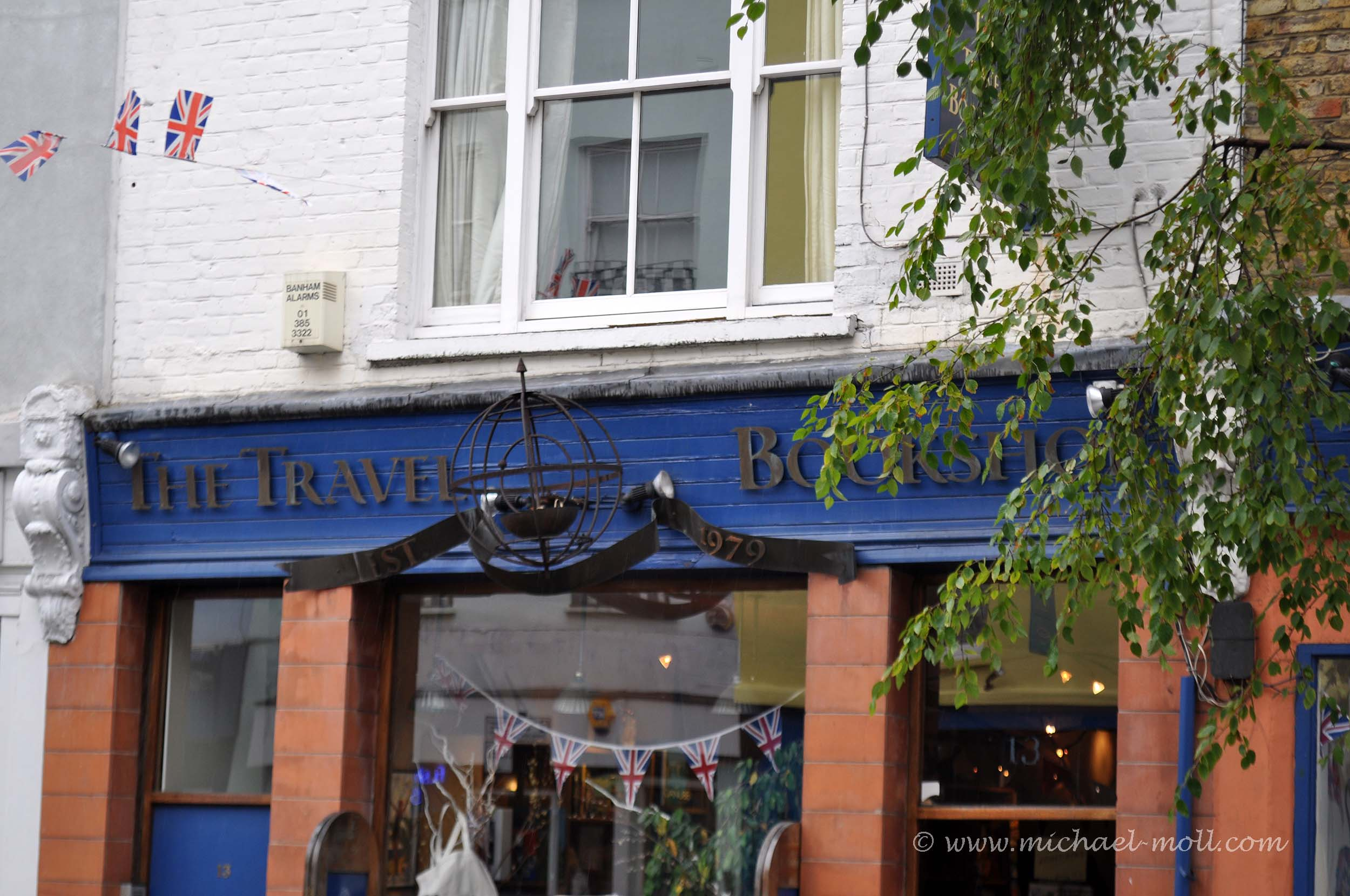 Der berühmte Travelbook Shop