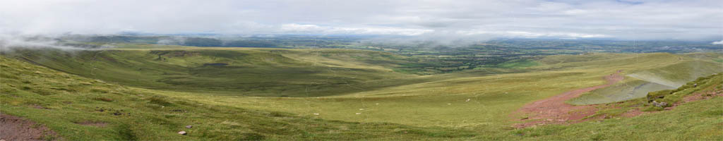 Panorama in den Brecon Beacons (7 MB, 12024x5889 Pixel)