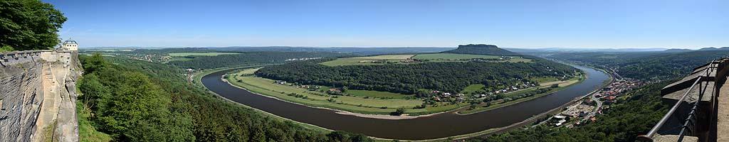 Panorama von der  Festung Königstein (14 MB, 16054x5571 Pixel)