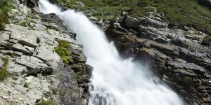 Wasserfall am Silvretta-Stausee