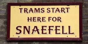 In Laxey fährt die Bergbahn ab
