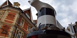 Katzenskulptur in Cambridge