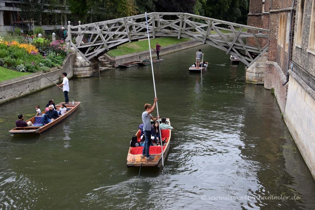 Gondel unter der Akademikerbrücke