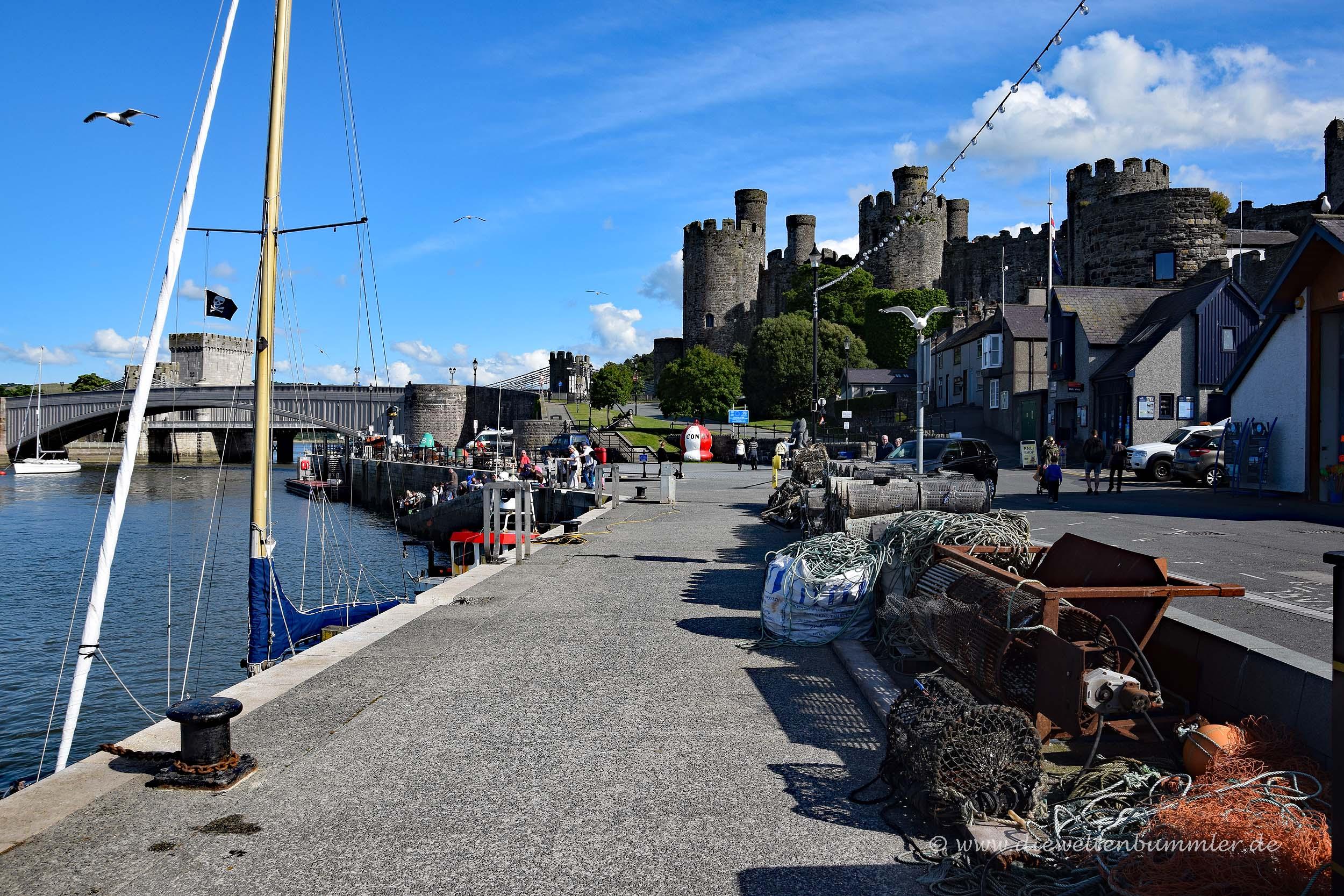 Hafen mit Schloss