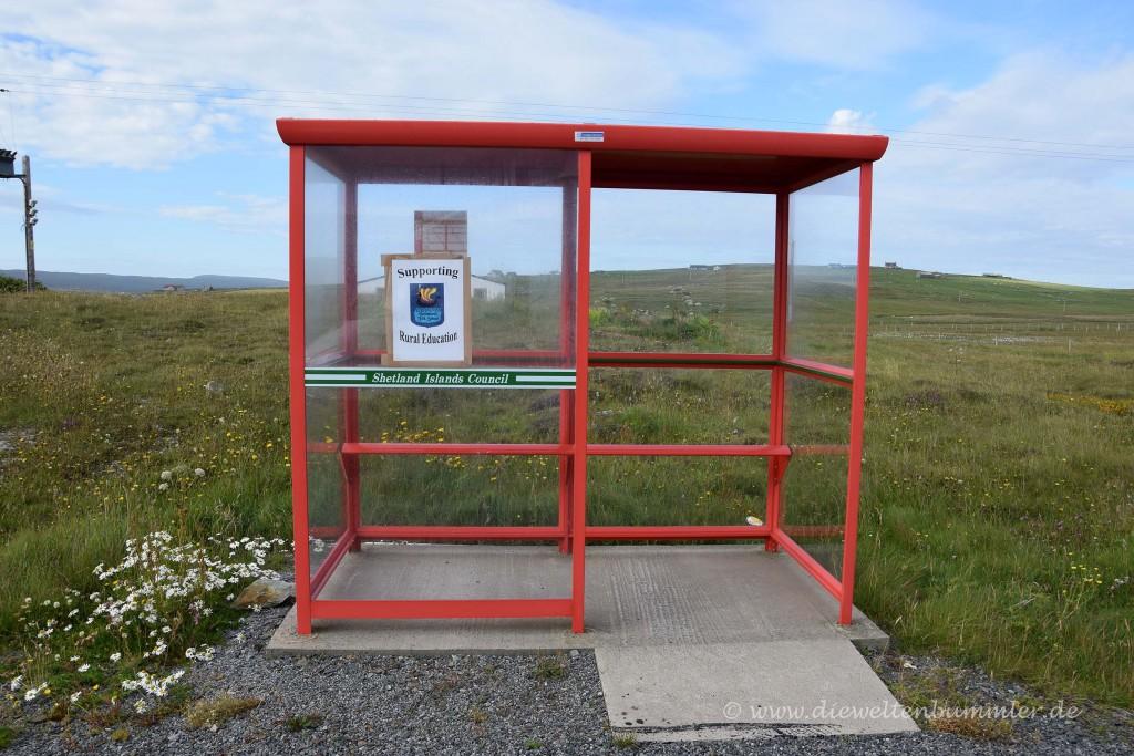 Normale Haltestelle auf den Shetland-Inseln