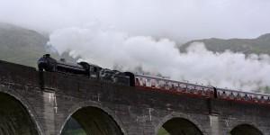 Hogwarts Express auf dem Glenfinnan Viadukt