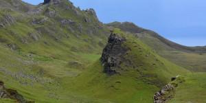Grüne Landschaft auf der Isle of Skye