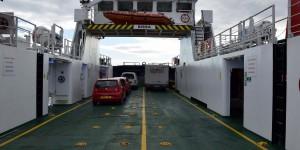 Fähre zwischen den Shetland Inseln
