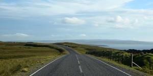 Straße auf den Shetland Inseln