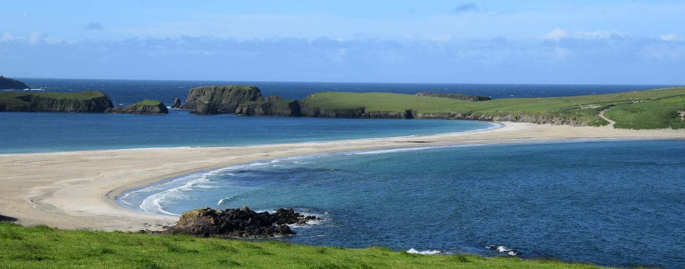 Tombolo der Shetland Inseln